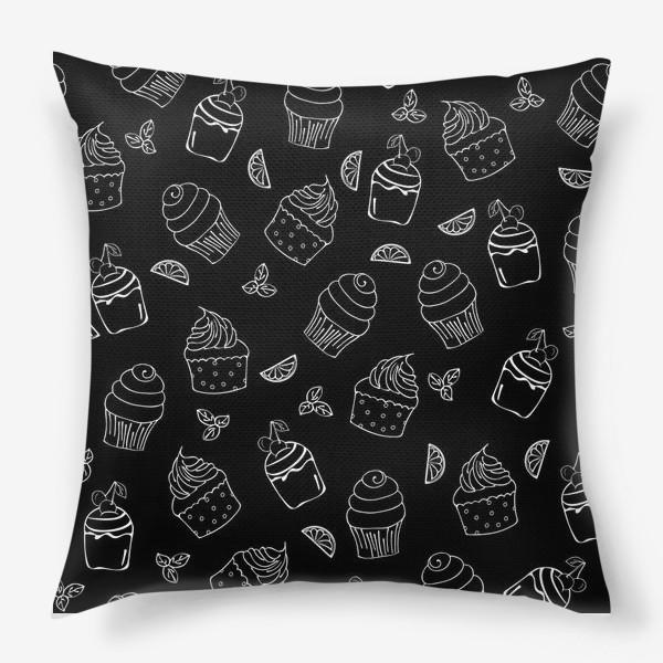 Подушка «кексы и пирожные»
