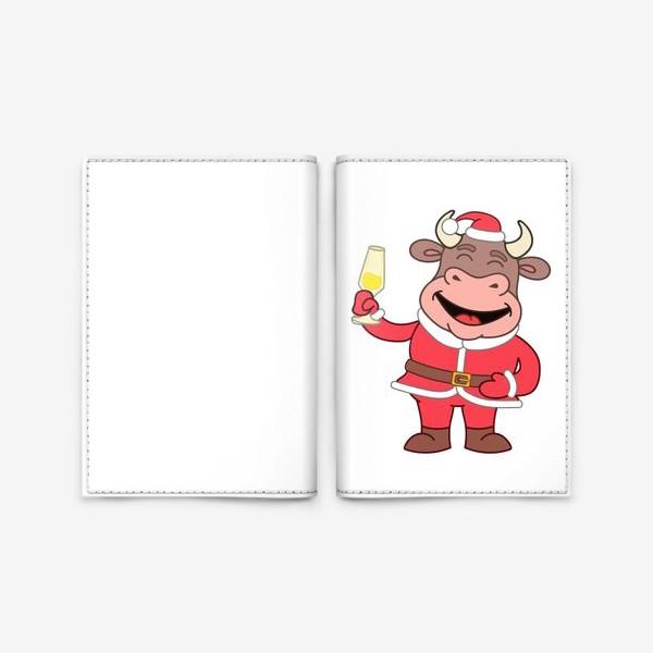 Обложка для паспорта «милый мультяшный бычок в новогоднем костюме с бокалом шампанского»