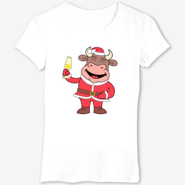 Футболка «милый мультяшный бычок в новогоднем костюме с бокалом шампанского»