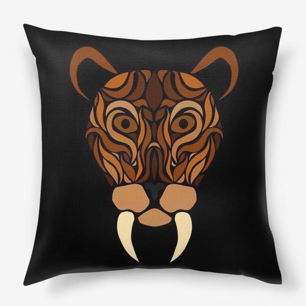 Подушка «Саблезубый на черном»