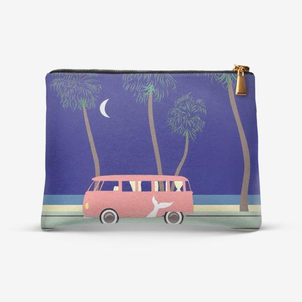 Косметичка «Ретро автобус на побережье, пальмы, луна, лето»