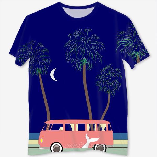 Футболка с полной запечаткой «Ретро автобус на побережье, пальмы, луна, лето»