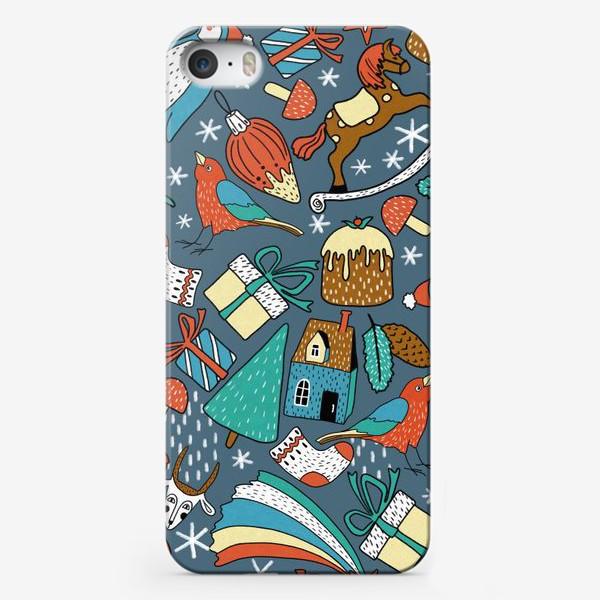 Чехол iPhone «Новогодние пингвины, птички, лошадки, шишки, елки, домики, подарки, горы. Зима, Новый год!»