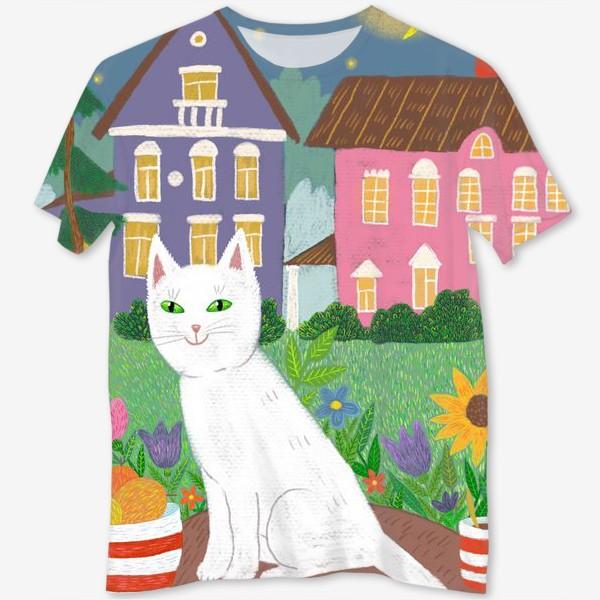 Футболка с полной запечаткой «Милая белая кошка в летнем саду.»
