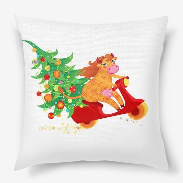 Подушка « Веселая рыжая корова на красном скутере. Год Быка 2021»