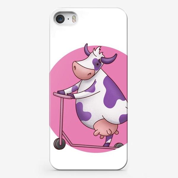 Чехол iPhone «корова на самокате»