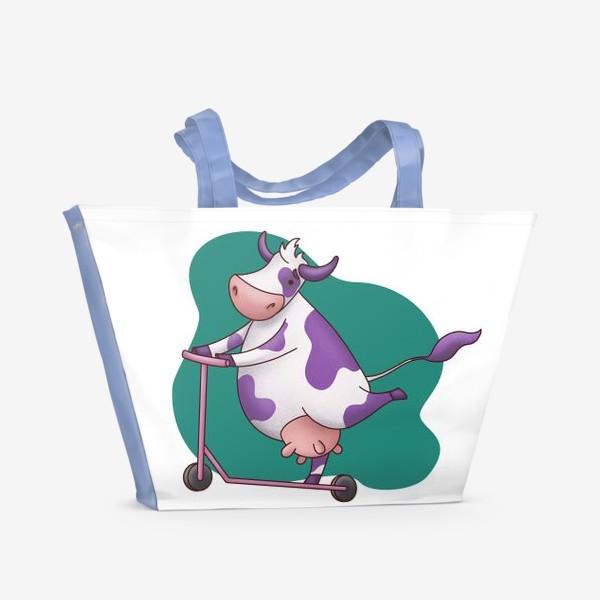 Пляжная сумка «Корова на самокате»