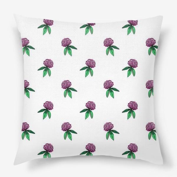Подушка «Нежный орнамент из цветов розового клевера и зеленых листиков»