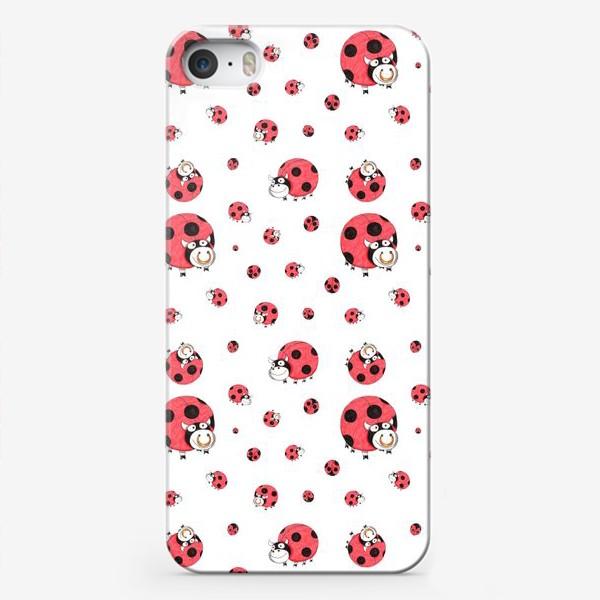 Чехол iPhone «Божьи коровки и бычки (белый)»