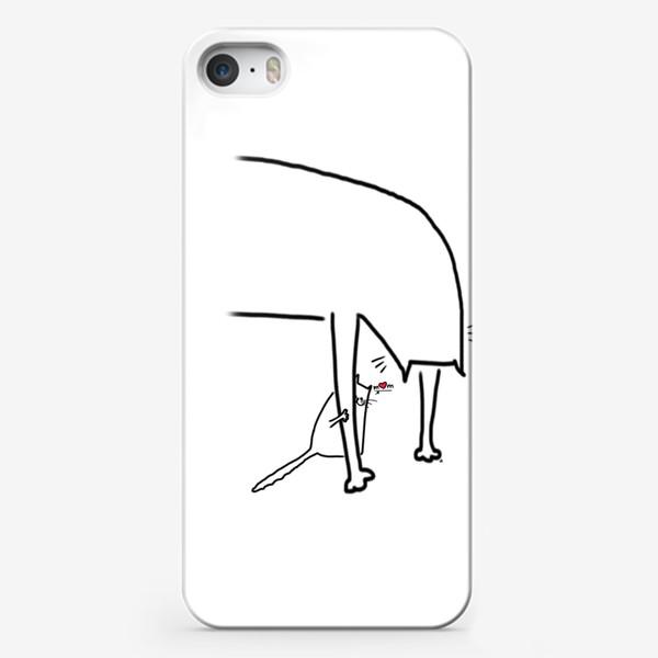 Чехол iPhone «Котенок за лапкой мамы. Mom. День матери »