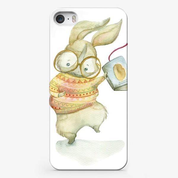Чехол iPhone «Зайчик-книги-читайчик»