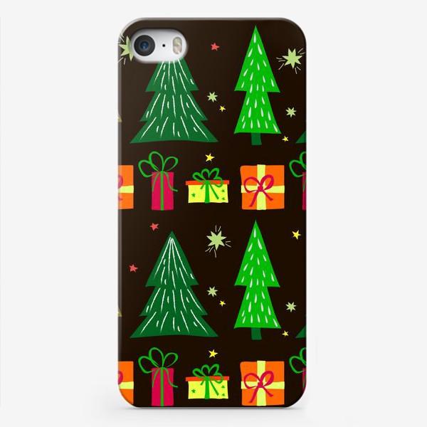 Чехол iPhone «подарки под ёлкой»