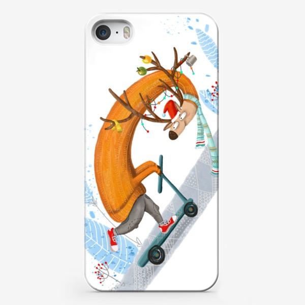 Чехол iPhone «Забавный олень на самокате. »