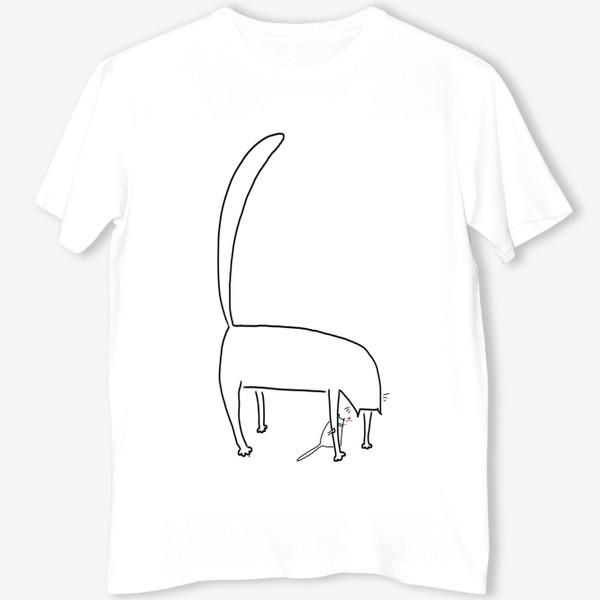 Футболка «Кошка и котенок за ее лапкой »