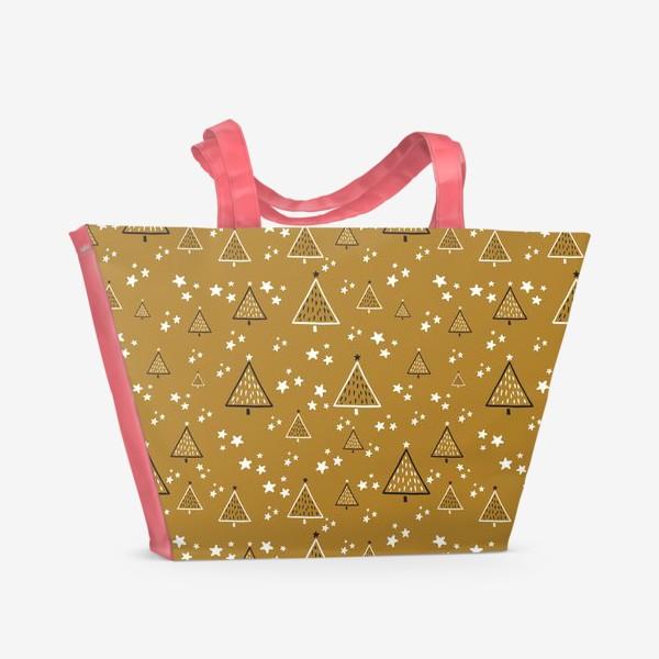 Пляжная сумка «Новый год, ёлки на золотом фоне»