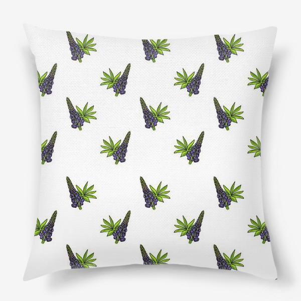 Подушка «Цветочный орнамент из синих люпинов и зеленых листьев на белом фоне»