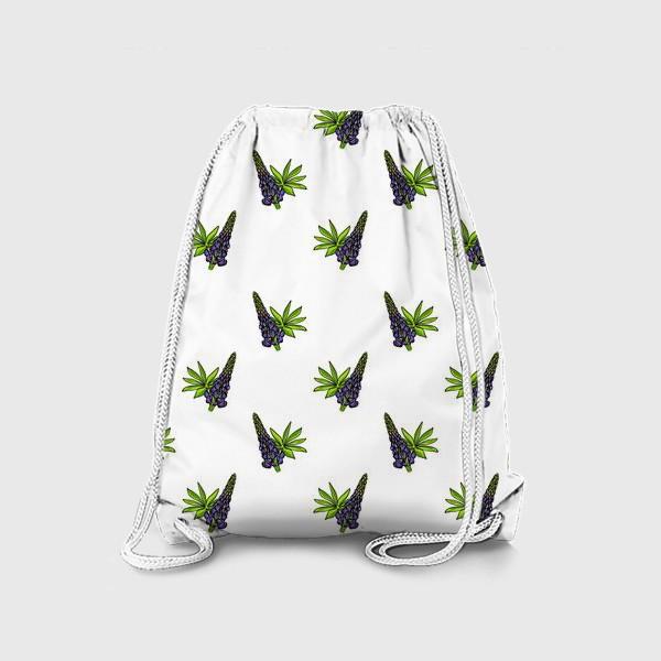 Рюкзак «Цветочный орнамент из синих люпинов и зеленых листьев на белом фоне»