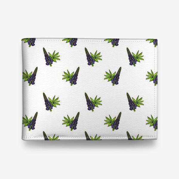 Кошелек «Цветочный орнамент из синих люпинов и зеленых листьев на белом фоне»
