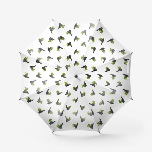 Зонт «Цветочный орнамент из синих люпинов и зеленых листьев на белом фоне»