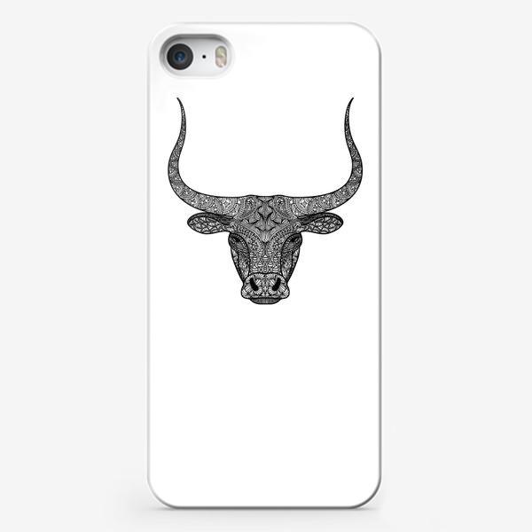 Чехол iPhone «Бык длиннорогий. Голова быка с узором в стиле зенарт или дудлинг. Черно-белый принт.»