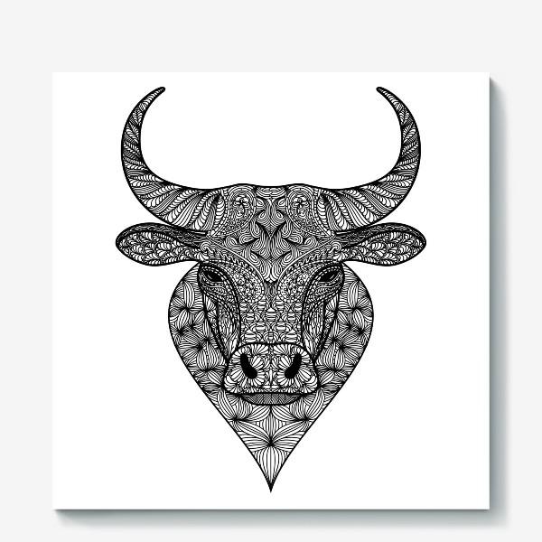 Холст «Узорчатая голова быка. Рисунок быка с этническим орнаментом. Серьезное, брутальное, невозмутимое выражение лица»