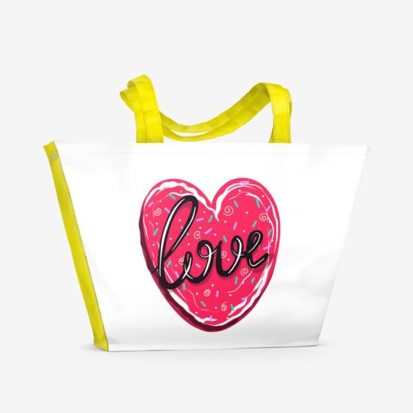 Пляжная сумка «Сладкое сердце с надписью любовь.  Имбирное печенье или кексик на День Святого Валентина»