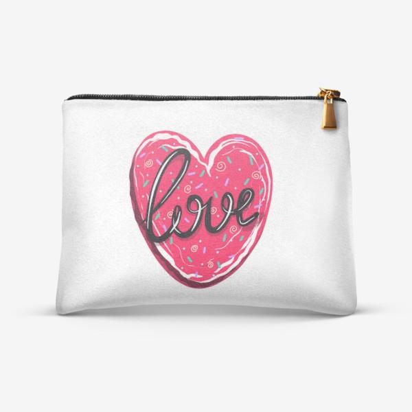 Косметичка «Сладкое сердце с надписью любовь.  Имбирное печенье или кексик на День Святого Валентина»