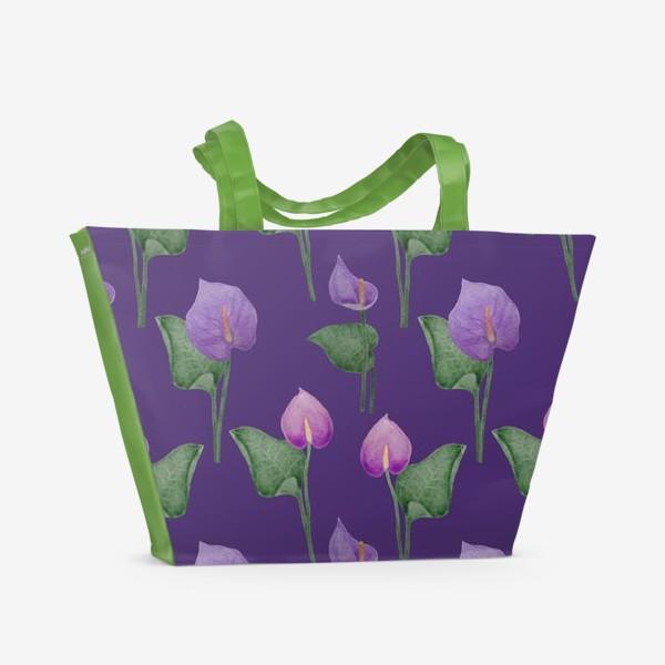 Пляжная сумка «Антуриумы на фиолетовом фоне»