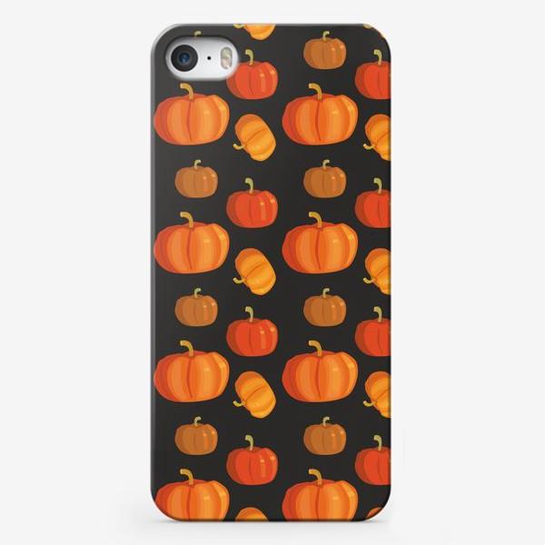 Чехол iPhone «Тыквы на темном фоне»