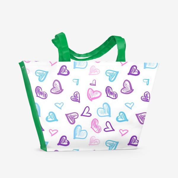 Пляжная сумка «Яркие разноцветные сердечки паттерн »