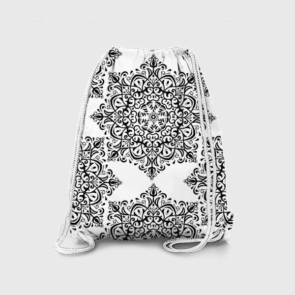 Рюкзак «Паттерн из черно-белого орнамента»