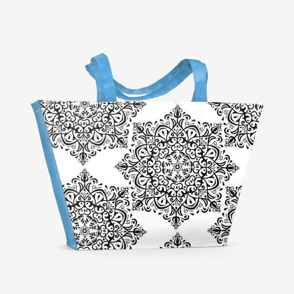 Пляжная сумка «Паттерн из черно-белого орнамента»