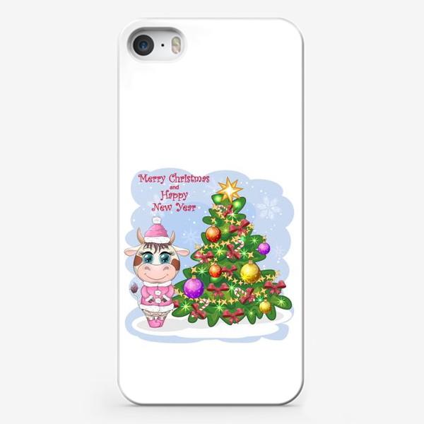 Чехол iPhone «Бык, символ 2021 года, корова возле елки»