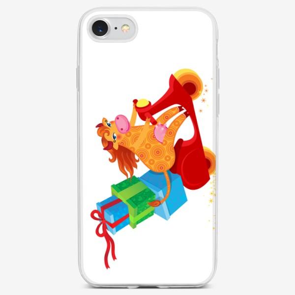 Чехол iPhone «Оранжевая корова с подарками на красном скутере. Год Быка 2021»