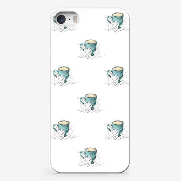 Чехол iPhone «Согревающий напиток в руках. Паттерн с бирюзовой чашкой чая, кофе или какао»