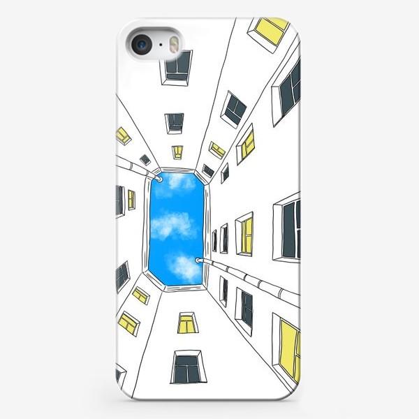 Чехол iPhone «Петербургский двор колодец»