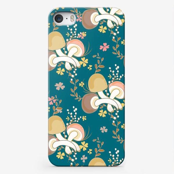 Чехол iPhone «Грибочки и листочки клевера.»