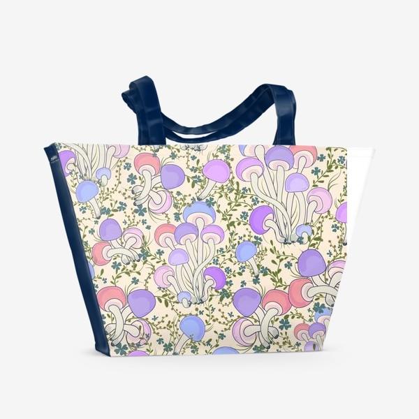 Пляжная сумка «Волшебные грибы в траве.»