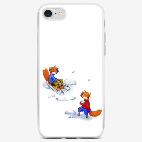 Чехол iPhone «Лисички играют в снежки»
